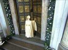 otwarcie drzwi świętych